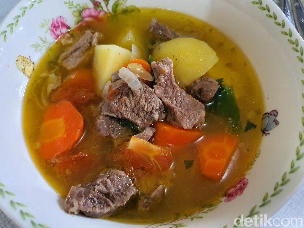 Resep Sop Daging Kuah Bening ala Jawa yang Gurih Mantap