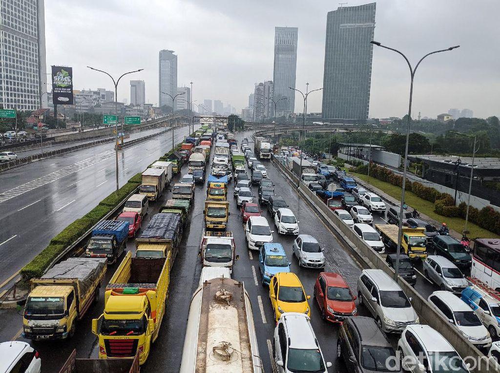 Suara Penjual Mobkas soal Wacana Mobil di Atas 10 Tahun Tak Boleh Masuk Jakarta