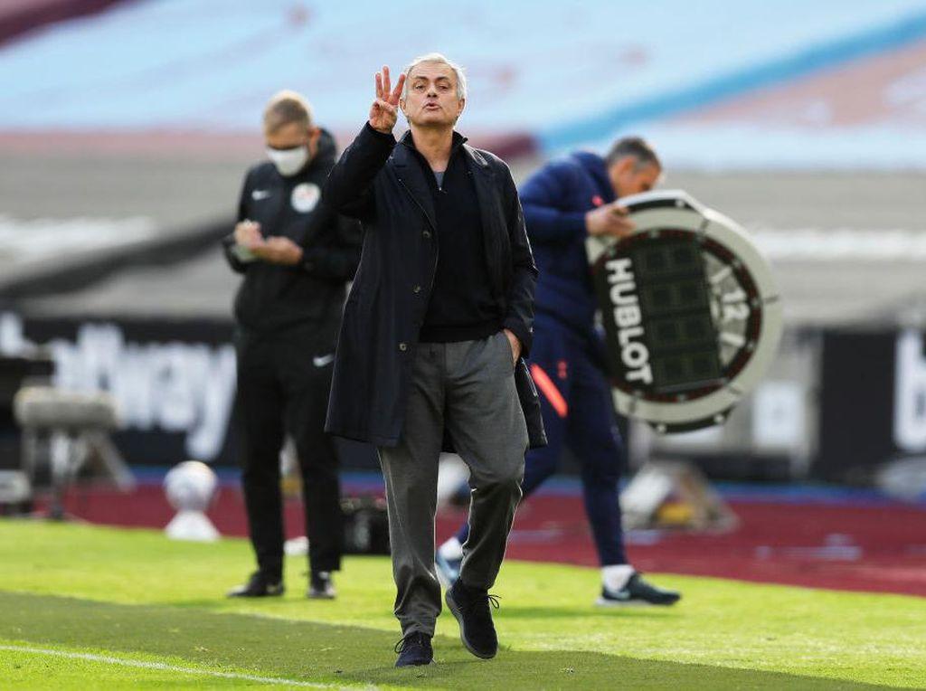 Mourinho Mulai Nyerah Bawa Tottenham Kejar 4 Besar