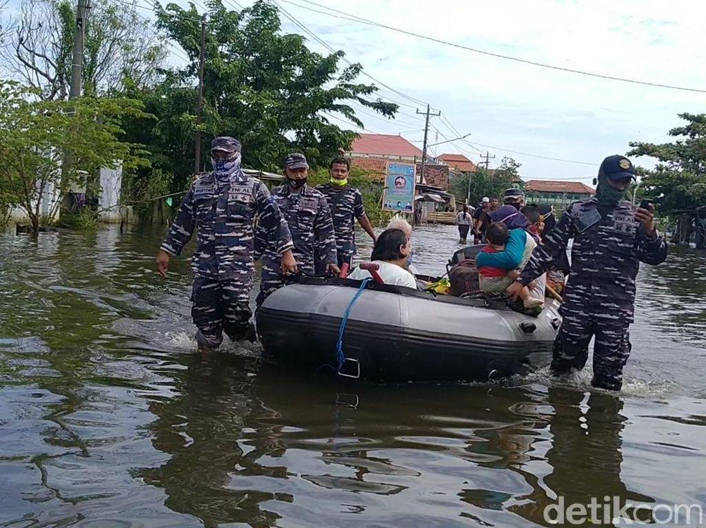 Banjir di Kota Pekalongan Terjang 16 Kelurahan, 3.101 Jiwa Mengungsi