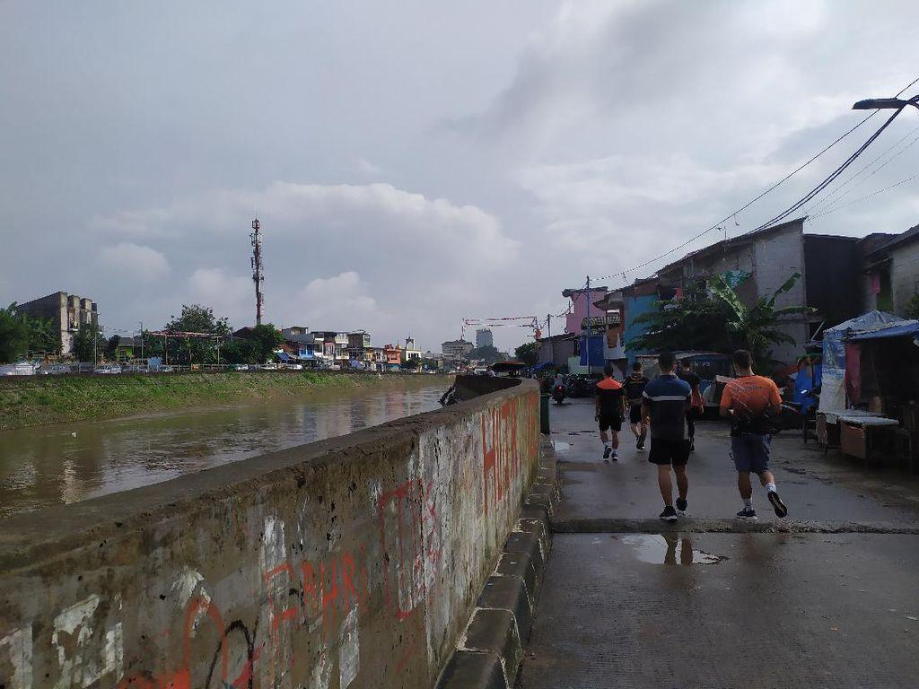Cerita Warga Kampung Pulo Tenang Hadapi Banjir Berkat Tanggul Era Ahok