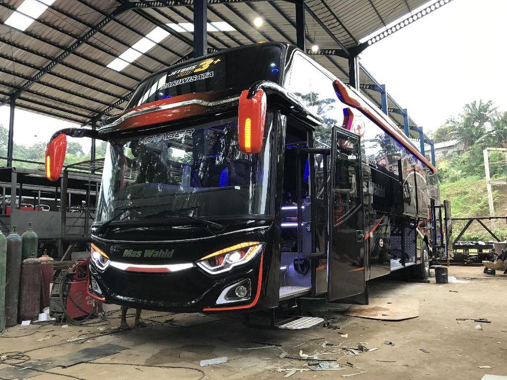 Mas Wahid Luncurkan Armada Bus Kedua, Intip Wujud Mewahnya