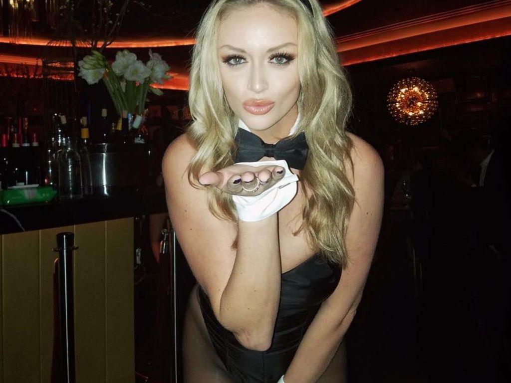 Tak Lagi Pemotretan Seksi, Model Playboy Ini Kini Jadi Tenaga Medis Covid-19