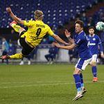 Amboi! Haaland Cetak Gol Keren di Laga Schalke 04 Vs Dortmund