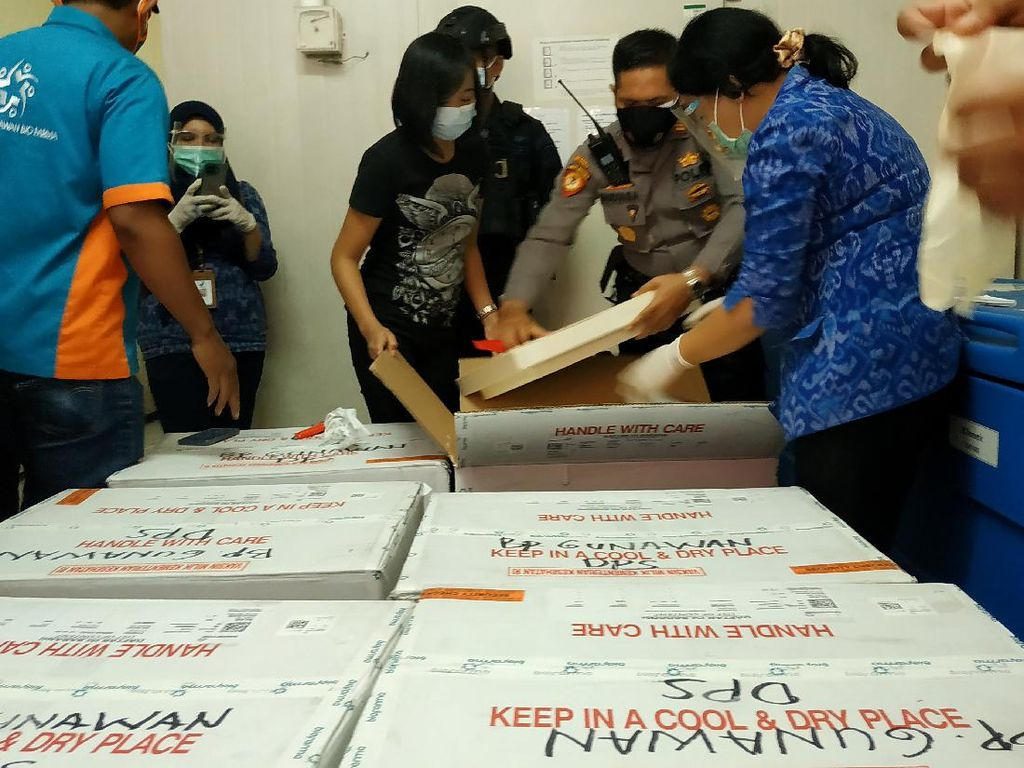 Bali Terima 130.300 Dosis Vaksin Covid-19 Tahap Keempat