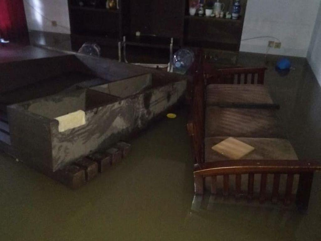 Pengeluaran Saat Banjir Bikin Dompet Jebol, Begini Cara Aturnya