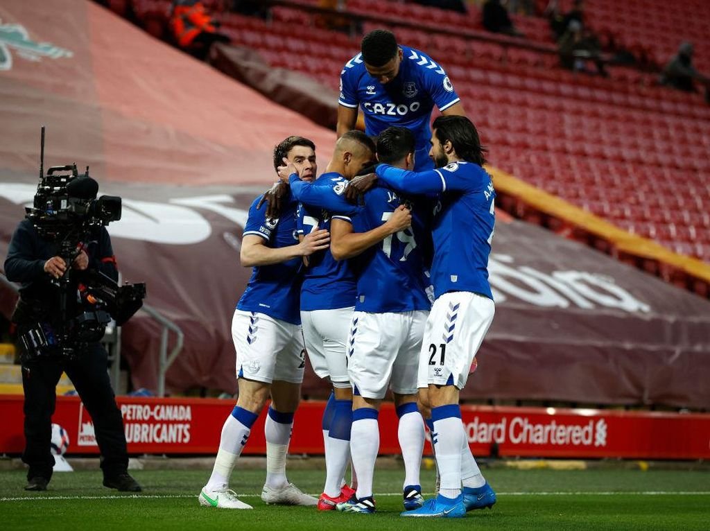 Everton Unggul 1-0 dari Liverpool di Babak Pertama