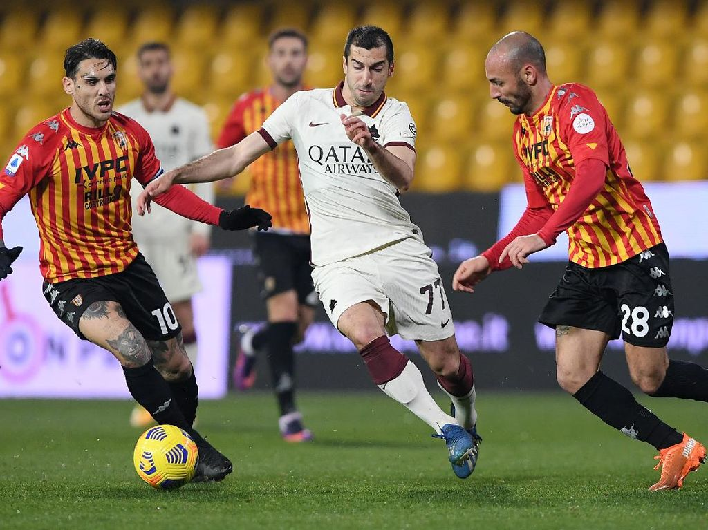 Benevento Vs AS Roma: I Lupi Diredam 10 Pemain