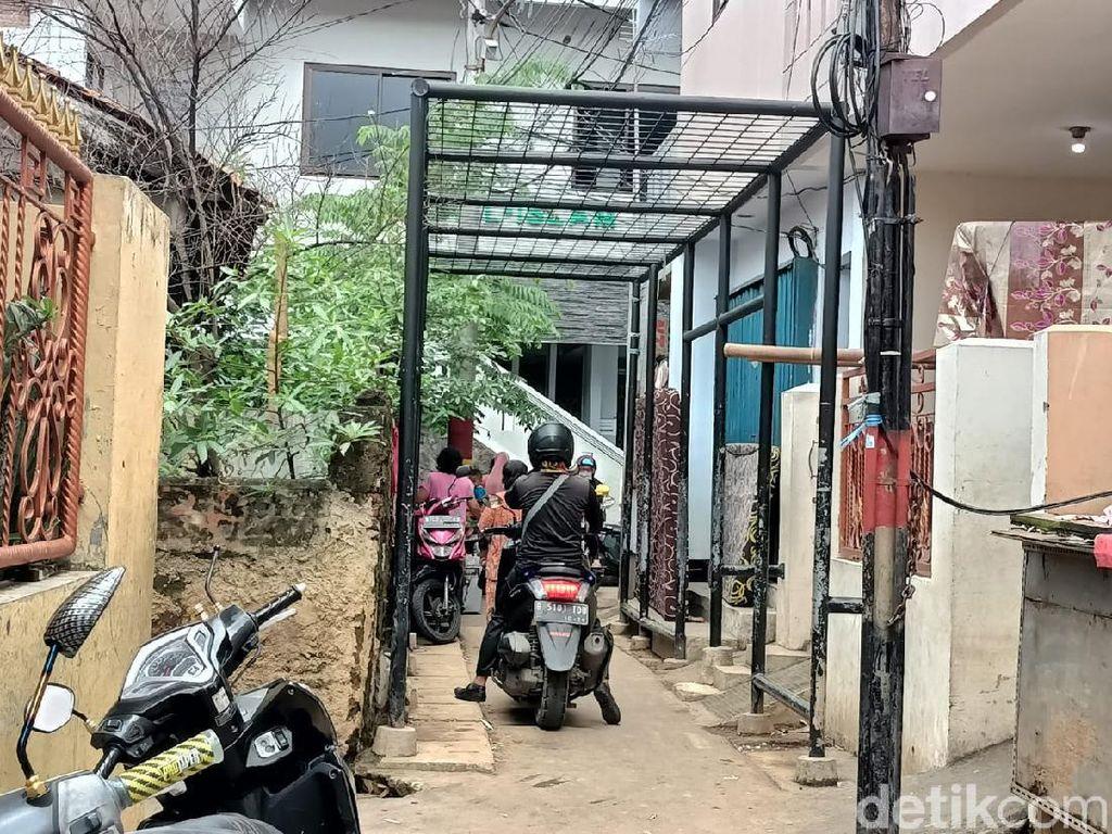 Banjir Kampung Melayu Jaktim Surut, Warga Kembali Beraktivitas