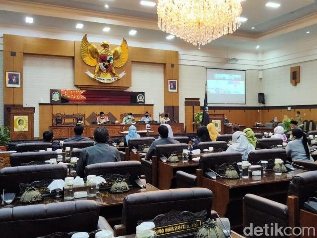 DPRD Banyuwangi Gelar Paripurna Umumkan Penetapan Bupati-Wakil Bupati Terpilih