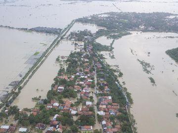 Foto Udara Banjir di Kabupaten Bekasi Imbas Tanggul Citarum Jebol