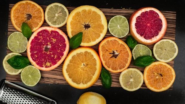 Makanan tertentu juga dikaitkan dengan perkembangan sariawan dan bahkan memperpanjang keberadaannya.