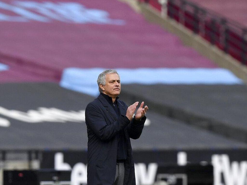 Apa Sih Masalahmu, Jose Mourinho?