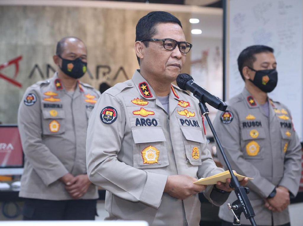 Polri Beri Pelatihan Public Speaking ke Kapolres dan Kabid Humas Polda