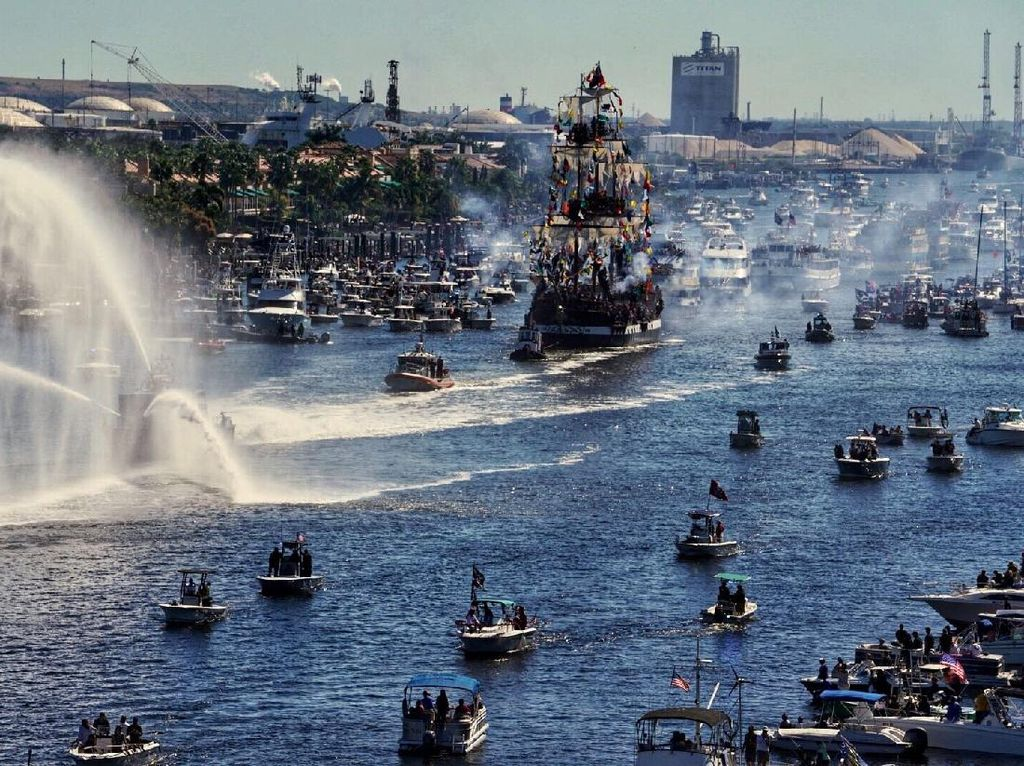 Lihat Lagi Keseruan Festival Bajak Laut di AS