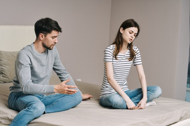 Perlakuan itu merupakan indikasi bahwa pasangan kamu tidak menghargai atau memiliki rasa hormat yang cukup untuk kamu.