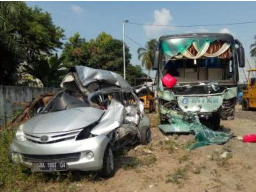 Kecelakaan Maut Avanza Vs Bus, Awas! Bahaya Bawa Penumpang Overload