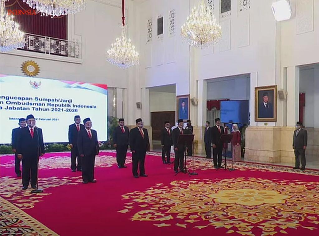 Sumpah-Janji Anggota Ombudsman 2021-2026 di Istana