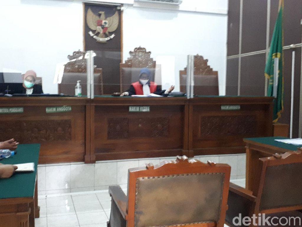 Kejati DKI Tak Hadir, Praperadilan MAKI soal Kasus Lahan Cengkareng Ditunda