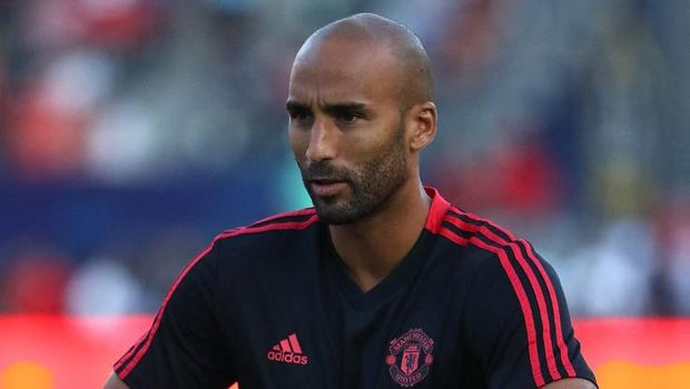 CARSON, CA - JULY 25: Goalkeeper Lee Grant #13 of Manchester United warms up prior to the International Champions Cup 2018 match against AC Milan at StubHub Center on July 25, 2018 in Carson, California. Manchester United defeated AC Milan 9-8 on penalties after playing to a 1-1 regulation draw.   Victor Decolongon/Getty Images/AFP (Photo by Victor Decolongon / GETTY IMAGES NORTH AMERICA / AFP)