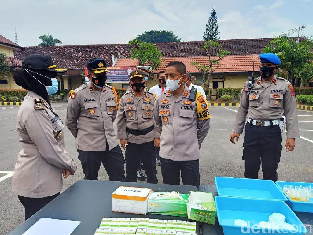 400 Polisi Kota Kediri Tes Urine Cegah Penyalahgunaan Narkoba
