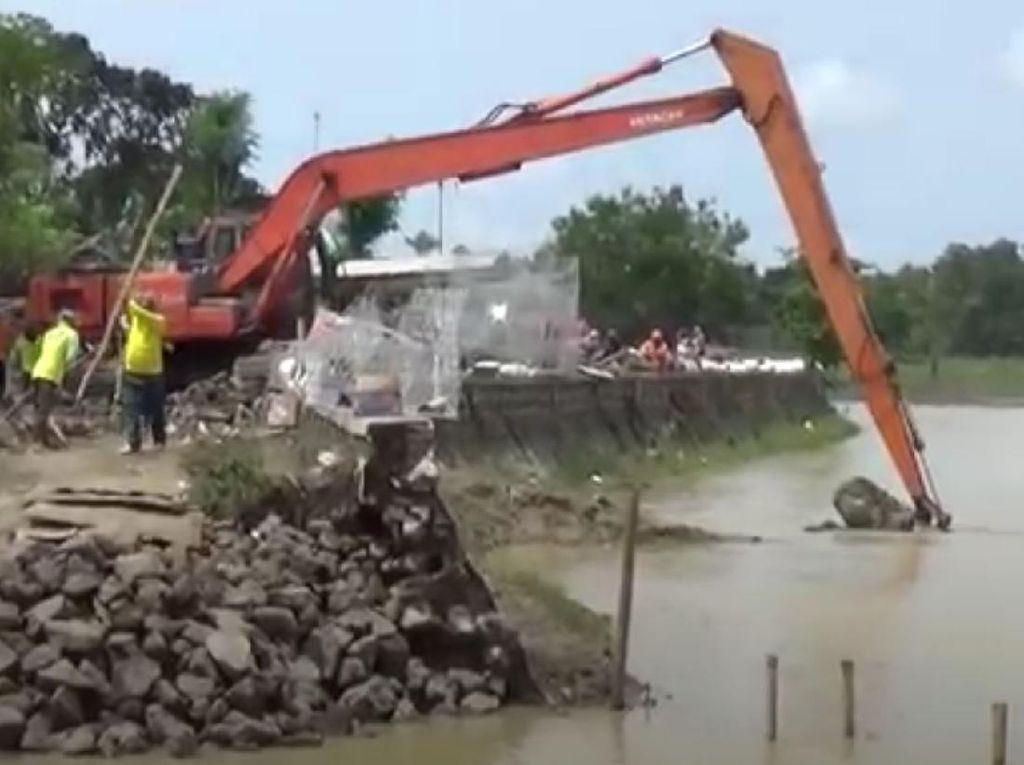 Perbaikan Tanggul Jebol di Subang Dikebut, Antisipasi Banjir Susulan