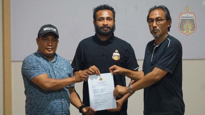 Arthur Bonai bergabung dengan Bhayangkara Solo FC.