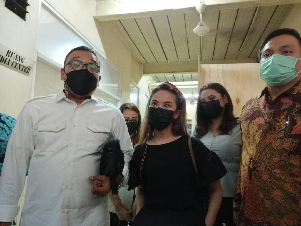 Diperiksa Polisi di Kasus Video Syur, Artis GL Berstatus Saksi