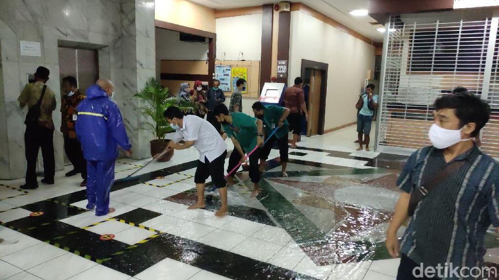 Foto-foto Kompleks Kantor Gubernur Jateng Terendam Banjir