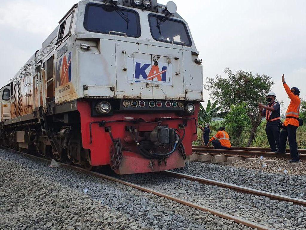 Sempat Terganggu Banjir, Kereta Api dari dan ke Jakarta Gojes Gojes Lagi