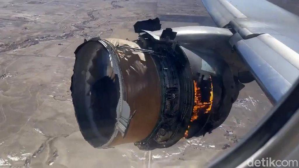 Penampakan Mesin Boeing 777 yang Terbakar di Udara