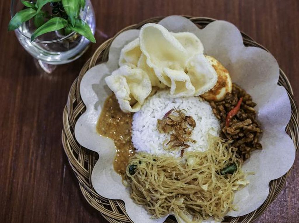Sarapan Nasi Uduk Lauk Lengkap Rp 10 Ribuan Ada di 5 Tempat Ini