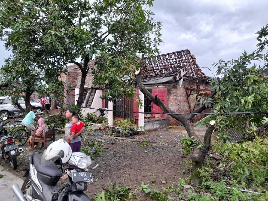 Angin Puting Beliung Terjang Demak, 177 Rumah Rusak