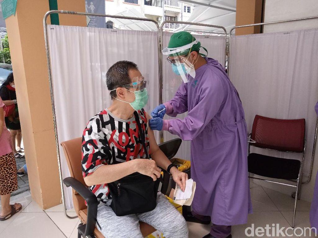 RSUD Taman Sari Gelar Vaksinasi COVID-19 Lansia, 125 Orang Disuntik Hari Ini