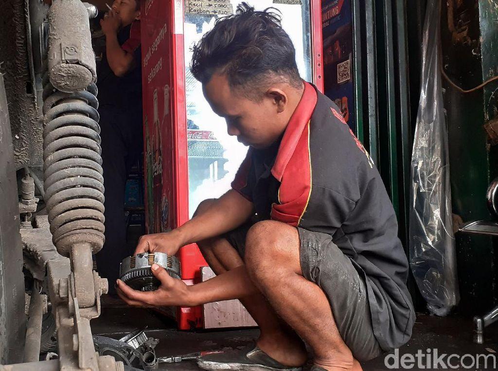Bengkel Ini Termahal di Bandung, Berapa Ongkos Kerja Montirnya?