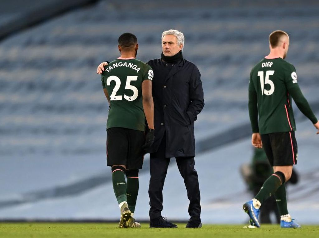 Mourinho: Tenang Saja, Tottenham Bakal Bangkit Kok