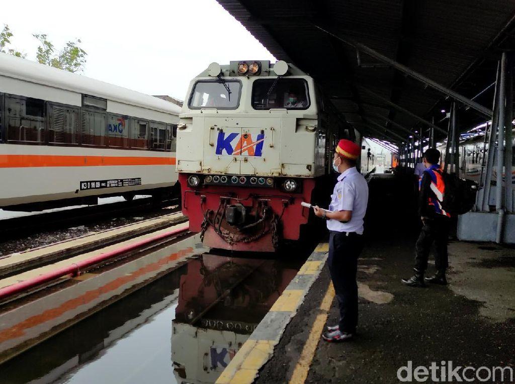 Stasiun Tawang Semarang Kebanjiran, Penumpang Masih Dialihkan Hari Ini