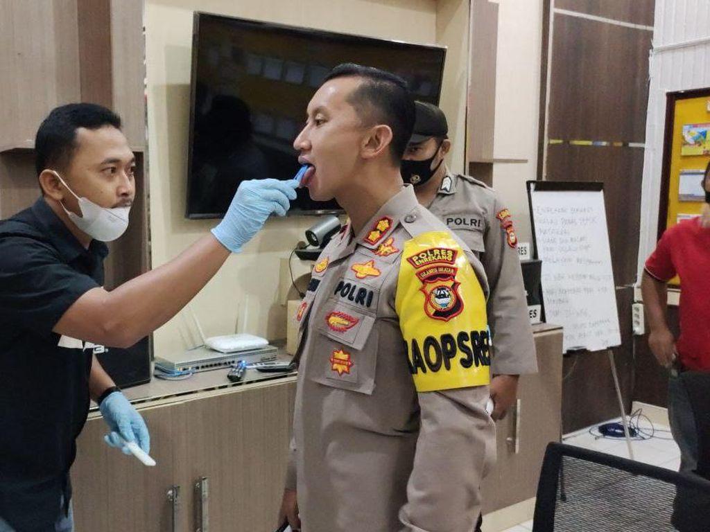 Tindak Lanjuti Arahan Kapolri, Polres Enrekang Tes Narkoba Seluruh Anggota