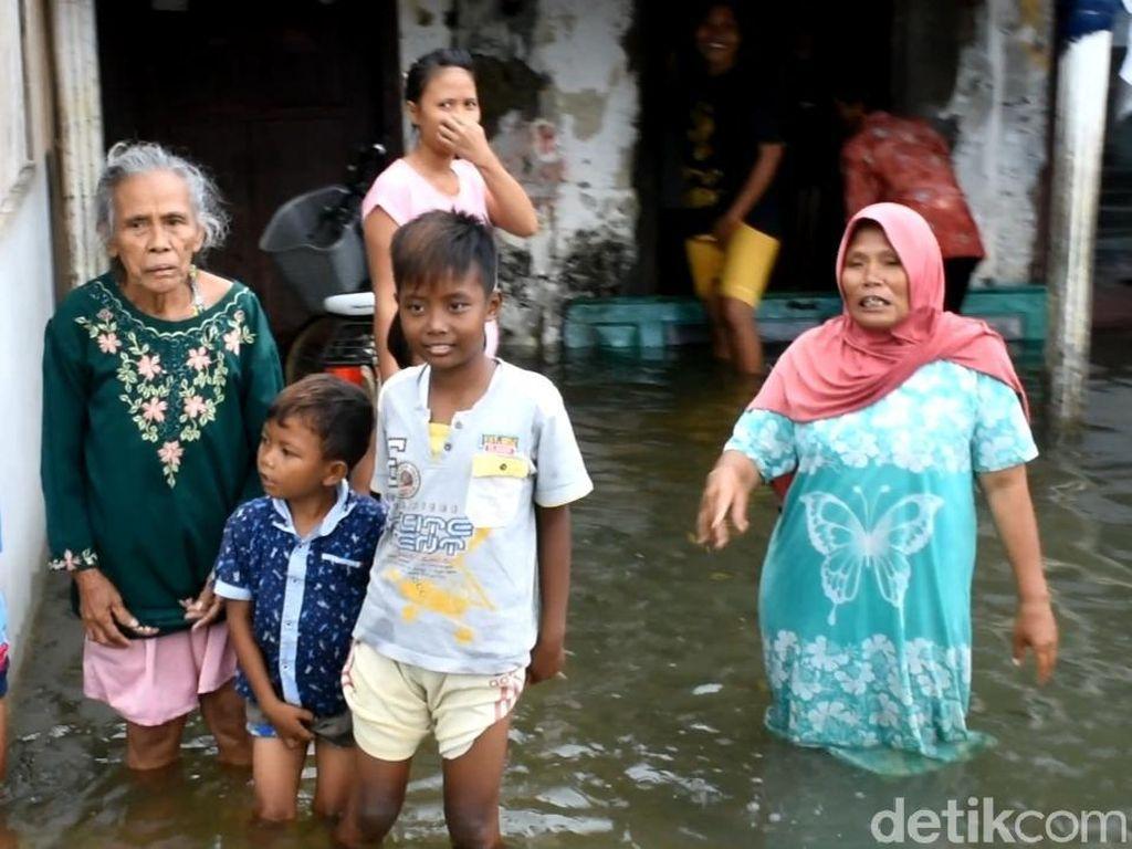 Banjir di Pekalongan Belum Surut, Bupati: Pompa Rusak-Penurunan Muka Tanah