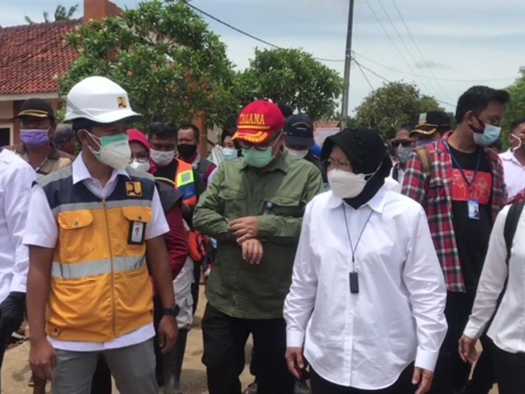 Risma Usul Tanggul Sungai Citarum Diperbaiki Seperti di Surabaya