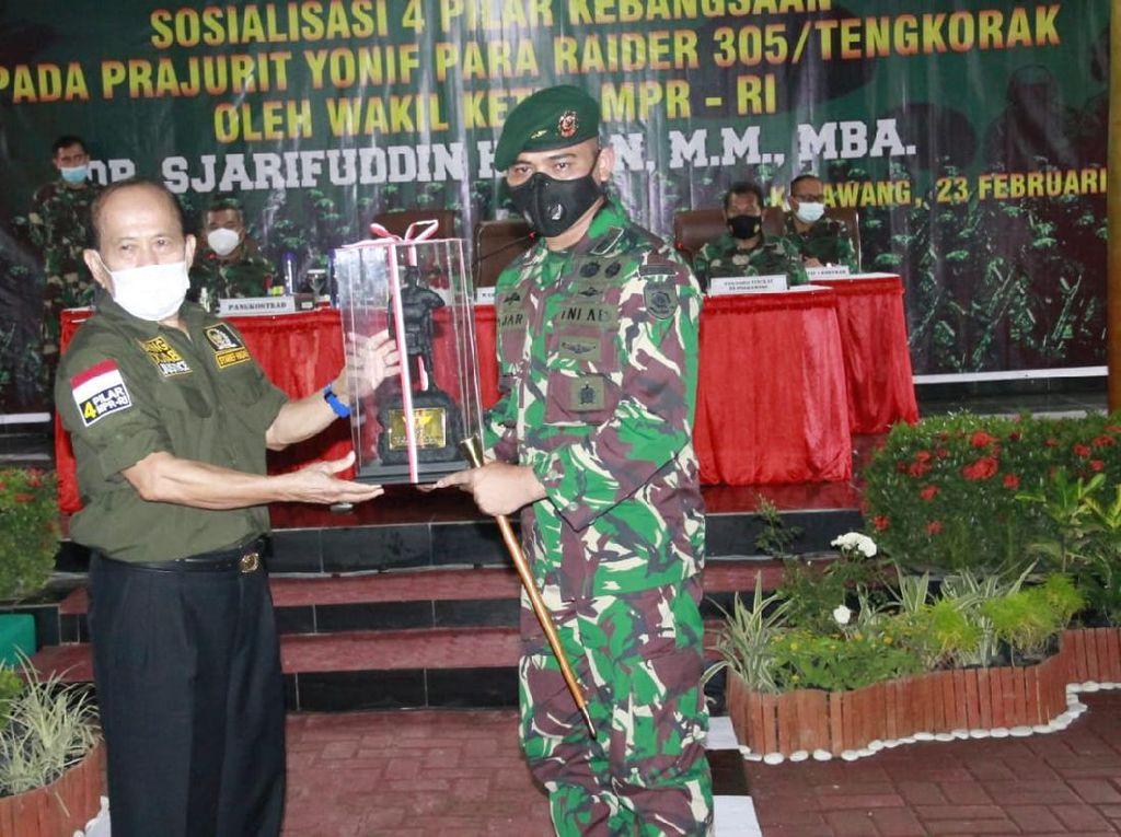 Syarief Hasan Puji Kinerja TNI Atasi Corona & KKB di Papua