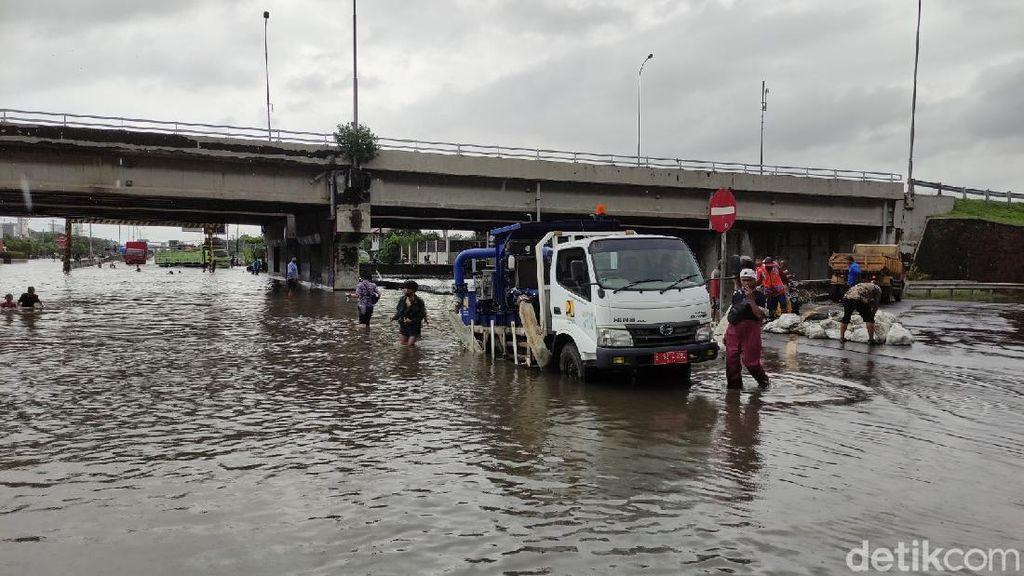 Arus Lalin Jalur Pantura Semarang Dialihkan Imbas Banjir