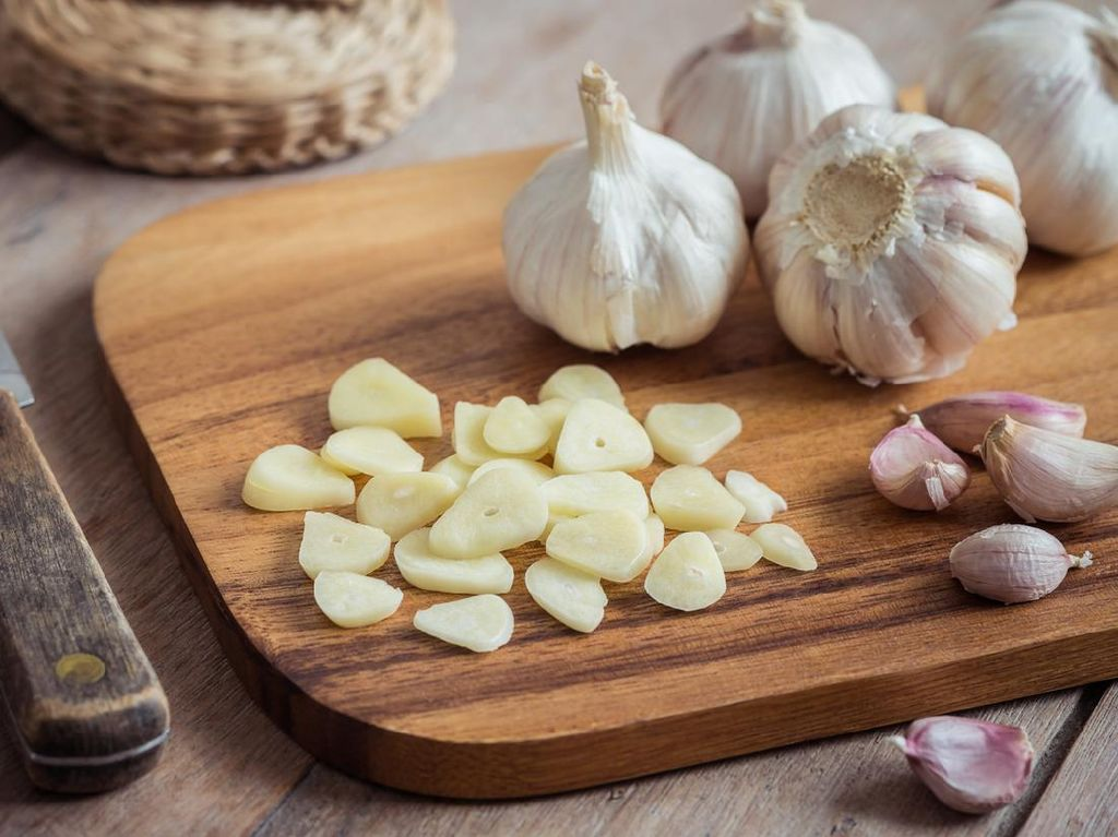 Viral Colok Bawang Putih untuk Hidung Tersumbat, Waspada Bahayanya