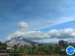 Gunung Sinabung Erupsi, Kolom Abu Capai 1.500 Meter