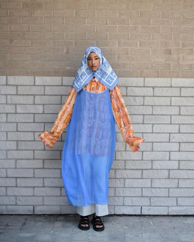 Hijab warna biru