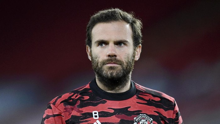 SHEFFIELD, ENGLAND - DECEMBER 17: Juan Mata of Manchester United looks on during the warm up ahead of the Premier League match between Sheffield United and Manchester United at Bramall Lane on December 17, 2020 in Sheffield, England. The match will be played without fans, behind closed doors as a Covid-19 precaution.  (Photo by Peter Powell - Pool/Getty Images)