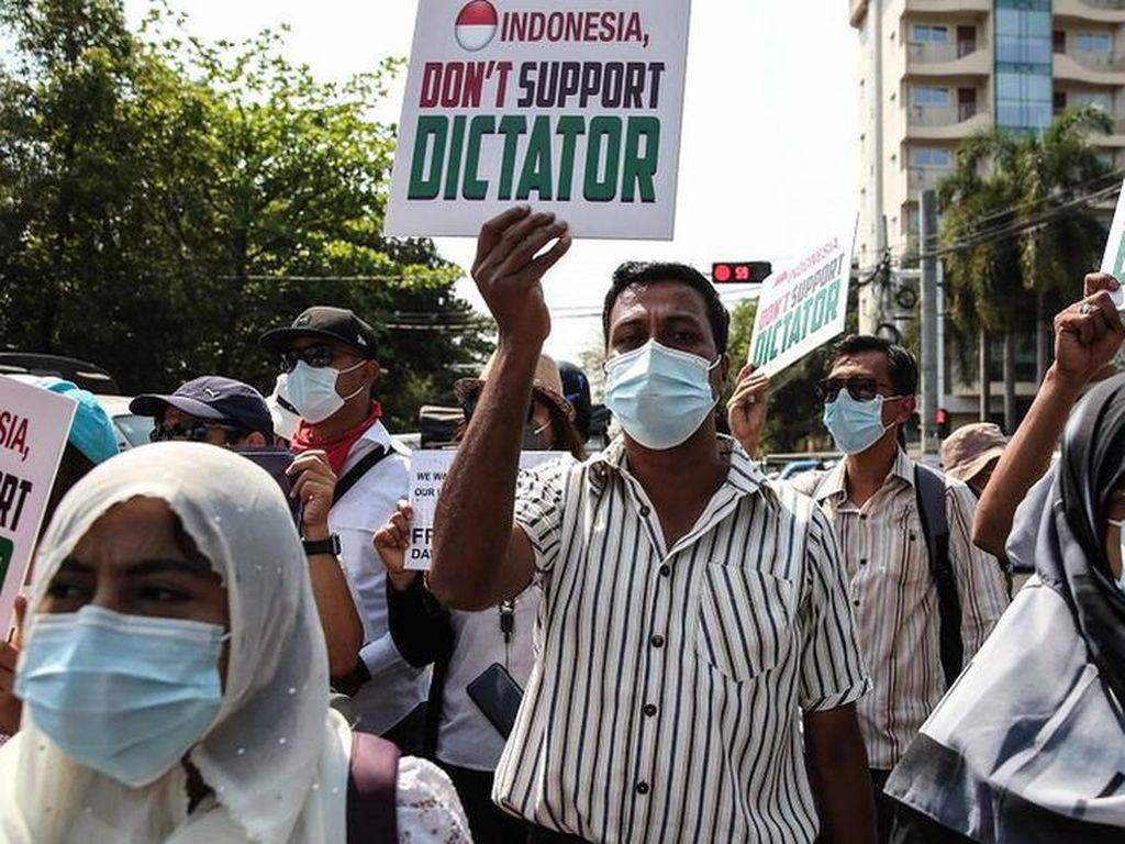 Menlu RI Bertemu Menlu Myanmar di Thailand, Aktivis Protes Keras