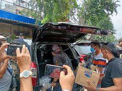 Polisi Sita 2 Dus Isi Botol-Motor dari RM Cafe TKP Penembakan di Cengkareng