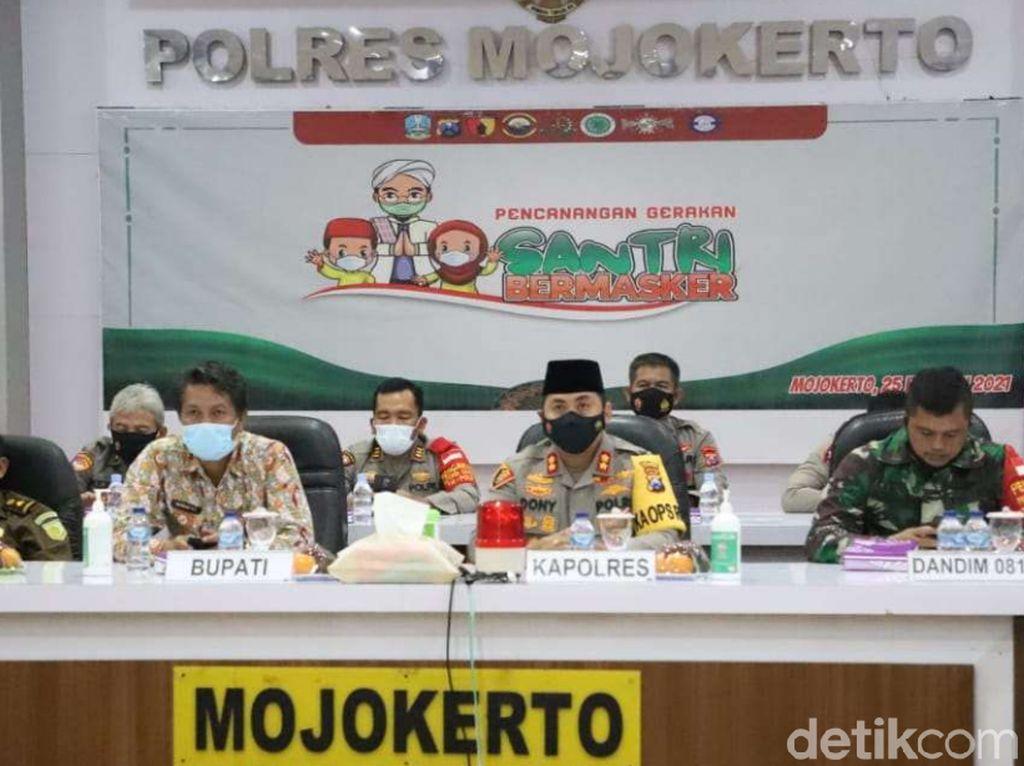 30 Ribu Masker Didistribusikan untuk Gerakan Santri Bermasker di Mojokerto