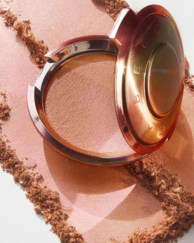 Dengan cepat merek ini mendapatkan popularitasnya untuk produk unggulan mereka, yaitu Shimmering Skin Perfector. BECCA membuat highlighter terlaris di Amerika Serikat yang membuat merek ini dikenal karena produk highlighter-nya.